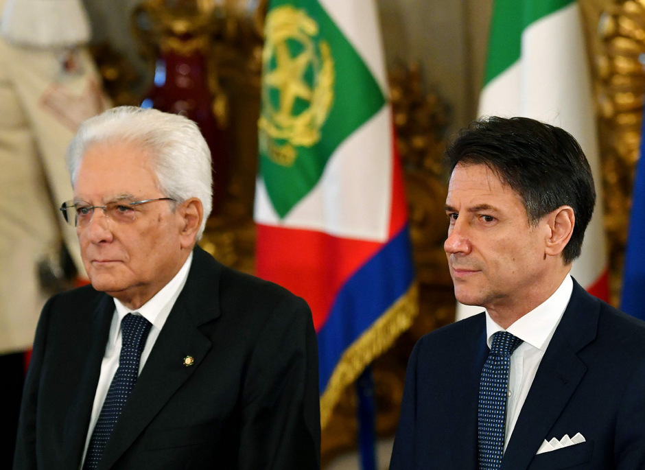 Italiens Präsident Sergio Mattarella und Regierungschef Giuseppe Conte während der Vereidigungszeremonie am Donnerstag.