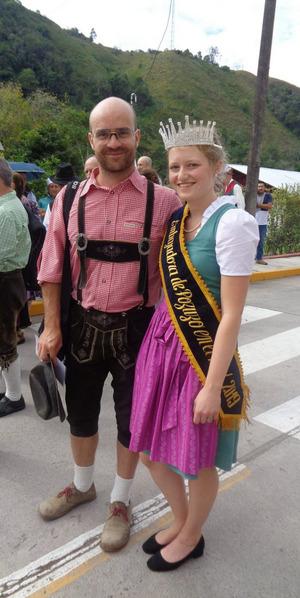 Bachnetzer mit Miss Botschafterin Maria Egger.