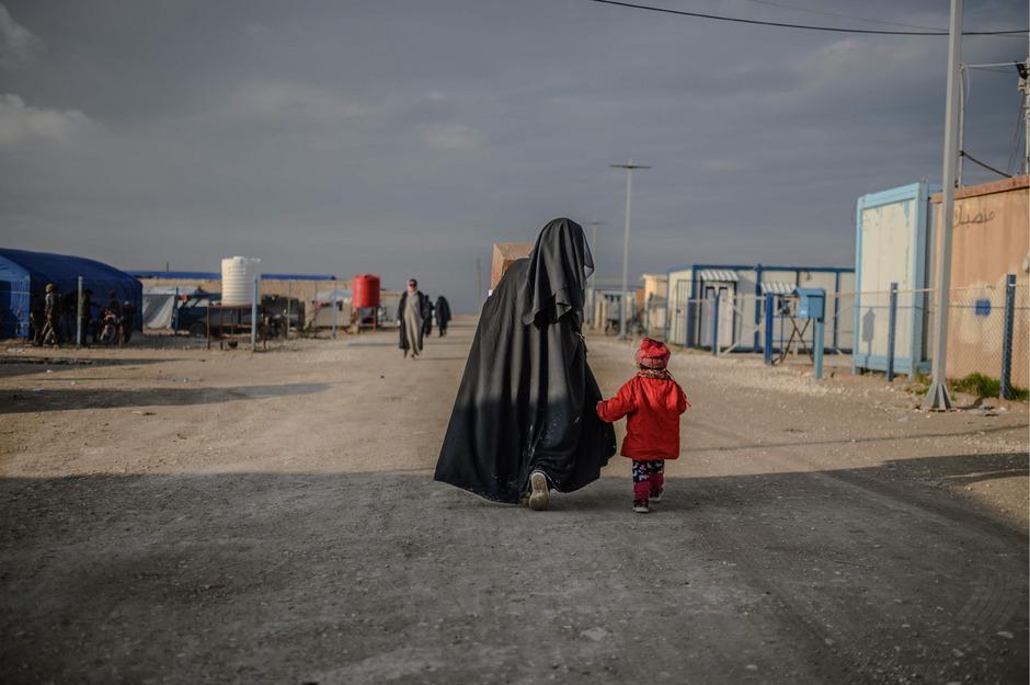Sowohl Maria G. und ihre Kinder als auch die Kinder von Sabina S. befinden sich in dem kurdischen Internierungslager in Nordsyrien al-Hol.