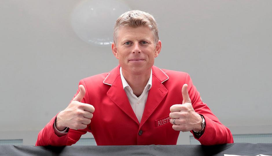 Daumen hoch! Max Kühner landete in Kanada auf Platz drei.