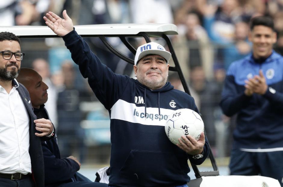 Gefeierter Held: Diego Maradona.