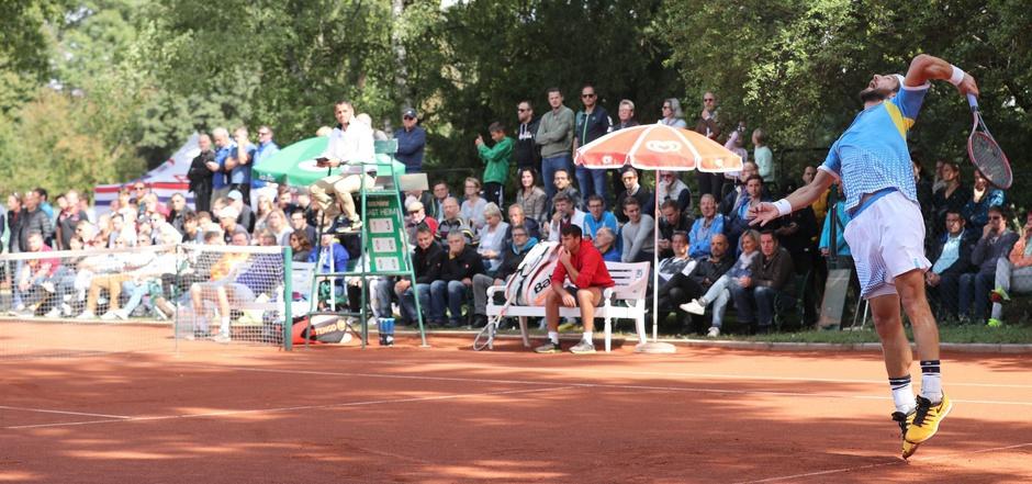 Auch auf den kleinen Bühnen im Einsatz – nach den US Open schlug Jürgen Melzer auf der WAC-Anlage in Wien auf.