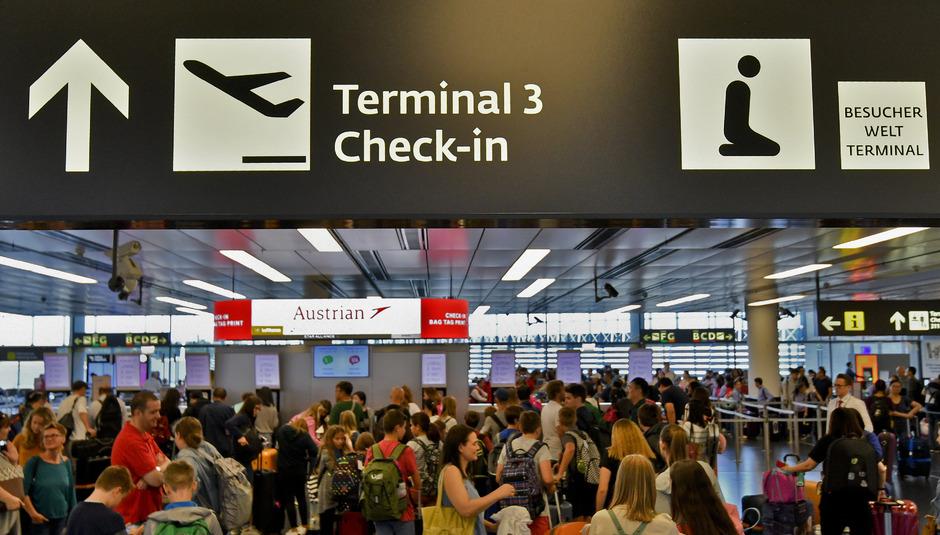 Aufgrund von Betriebsversammlungen am Flughafen Schwechat kann es am Mittwoch zu Einschränkungen im Flugverkehr kommen. (Symbolfoto)