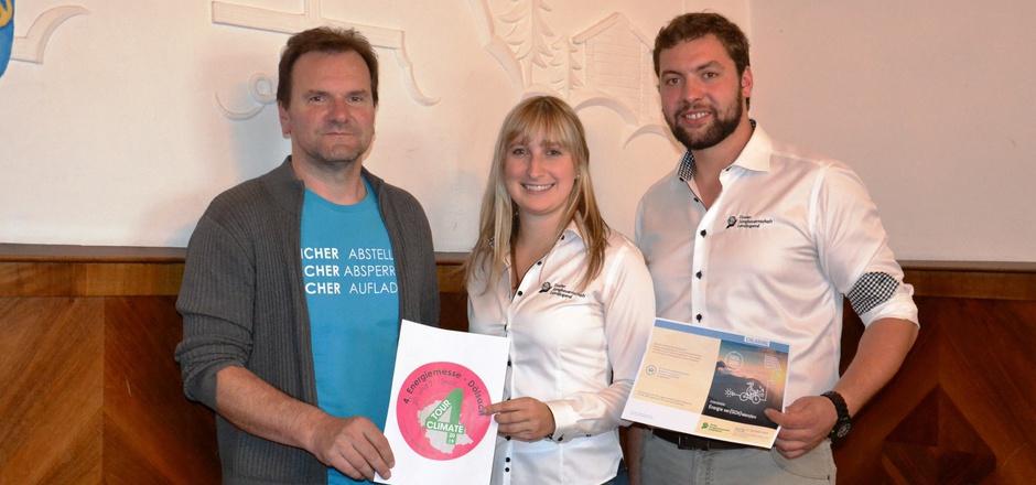 Martin Kollnig, Manuela Leiter und Simon Staller (v.l.) laden zur Energiemesse ein.
