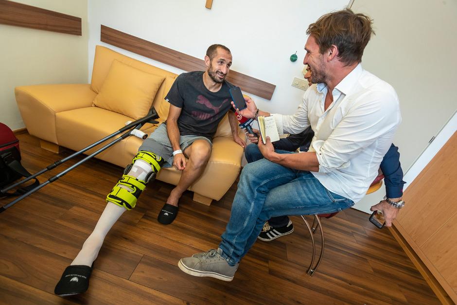 Giorgio Chiellini stand bzw. saß TT-Sportchef Florian Madl in Hochrum Rede und Antwort.