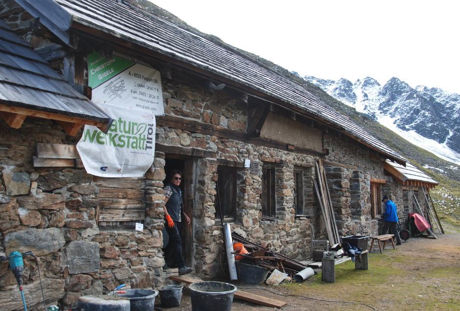 Die Berghäuser im Platzertal (2500 m), wo einst bis zu 60 Knappen lebten, sind in den vergangenen drei Jahren mustergültig saniert worden.