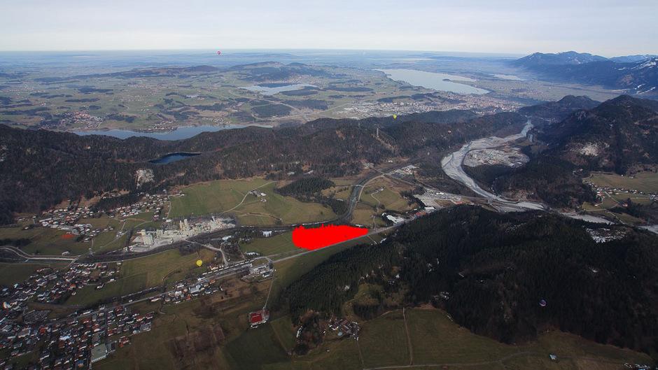 Im rot markierten Bereich könnte in Vils ein neues Gewerbegebiet (samt Maho-Logistikcenter-Ansiedelung) entstehen.