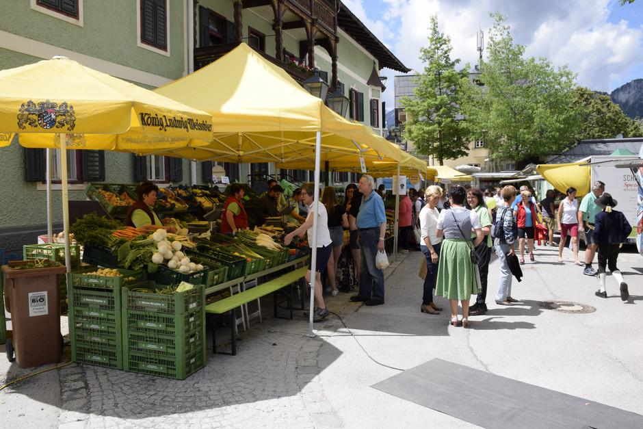 So soll es nach Ansicht der meisten Gemeinderäte sein: der Wochenmarkt in St. Johann ganz ohne Werbung von politischen Parteien.
