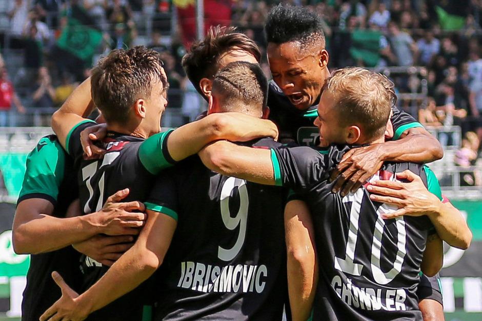 Im Traditionsduell gegen den GAK sind die Wacker-Kicker heute in Innsbruck auf Jubel eingestellt.