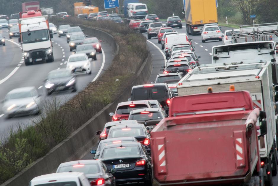 Der Verkehr ist der größte CO2-Verursacher in Österreich. Die Klimaschutzreferenten der Länder fordern eine Milliarde Euro für die Öffis.