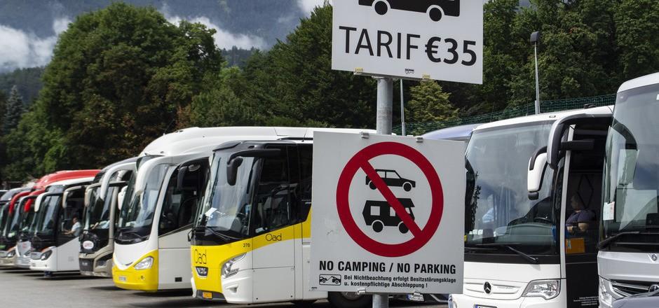 Der SPÖ-Gemeinderatsklub will der Verlegung des Busparkplatzes zustimmen, sofern auch ein Reisebuskonzept kommt. Der unabgestimmte Auftritt von NR Selma Yildirim wird als grober Affront empfunden.