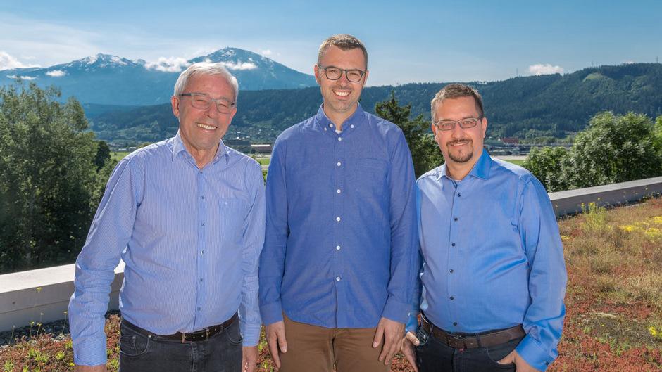 Prof. Peter Zoller (Uni Innsbruck), Dr. Markus Hoffmann (Google) und Dr. Thomas Monz (AQT) (v.l.).
