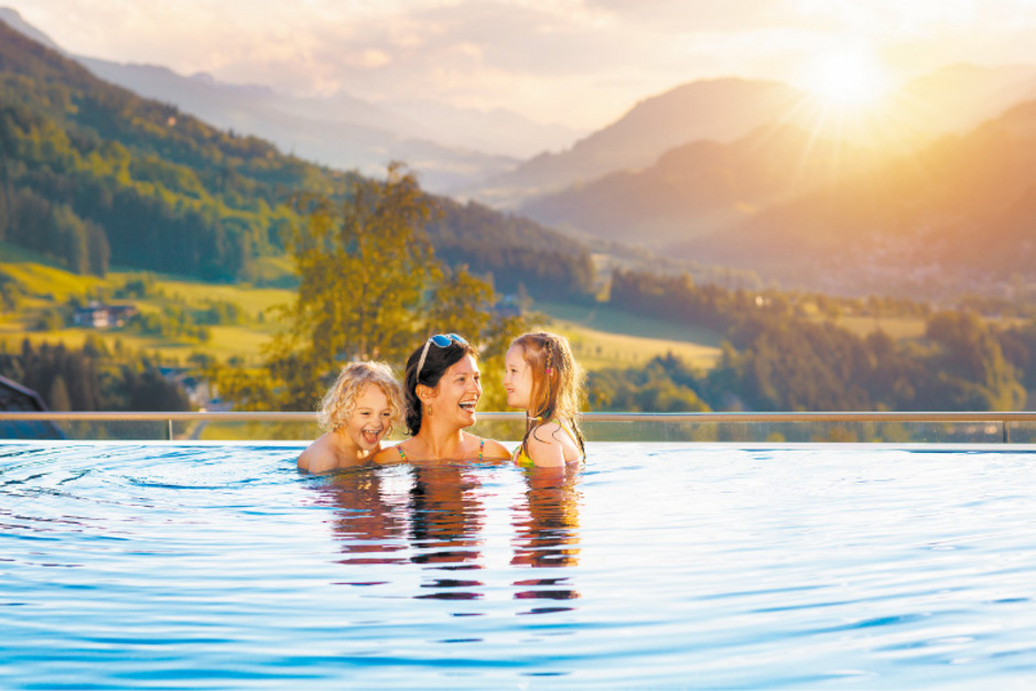 Tourismusbetriebe haben in den letzten 17 Jahren deutlich mehr investiert. Das Betriebsergebnis hinkt allerdings hinterher. In Nordtirol stimmt laut Experten zudem der Preis pro Übernachtung nicht, in Südtirol eher.