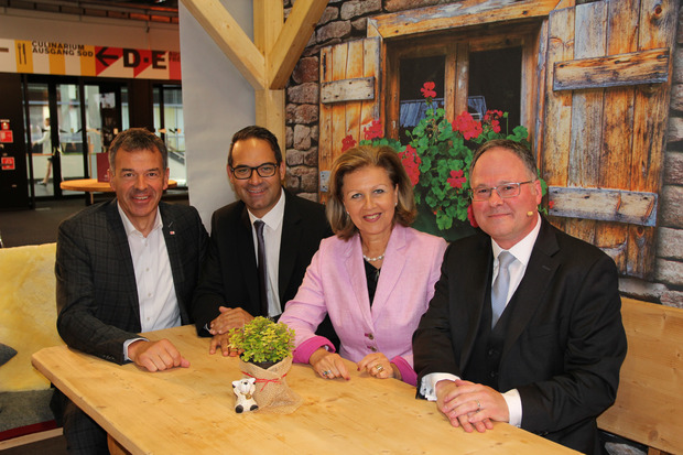 Innsbrucks BM Georg Willi, WK-Präsident Christoph Walser, LR Patrizia Zoller-Frischauf, Messedirektor Christian Mayerhofer.