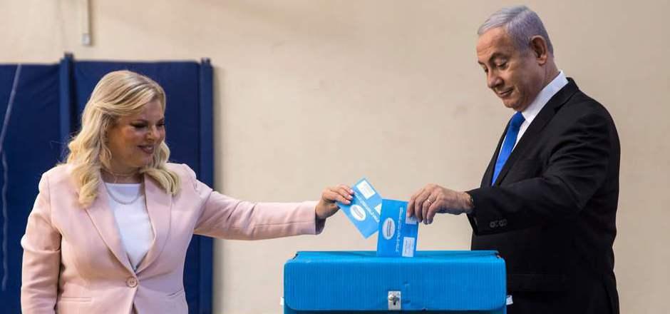 Israels Regierungschef Benjamin Netanyahu hofft, nach der Wahl erneut die Regierung anführen zu können.