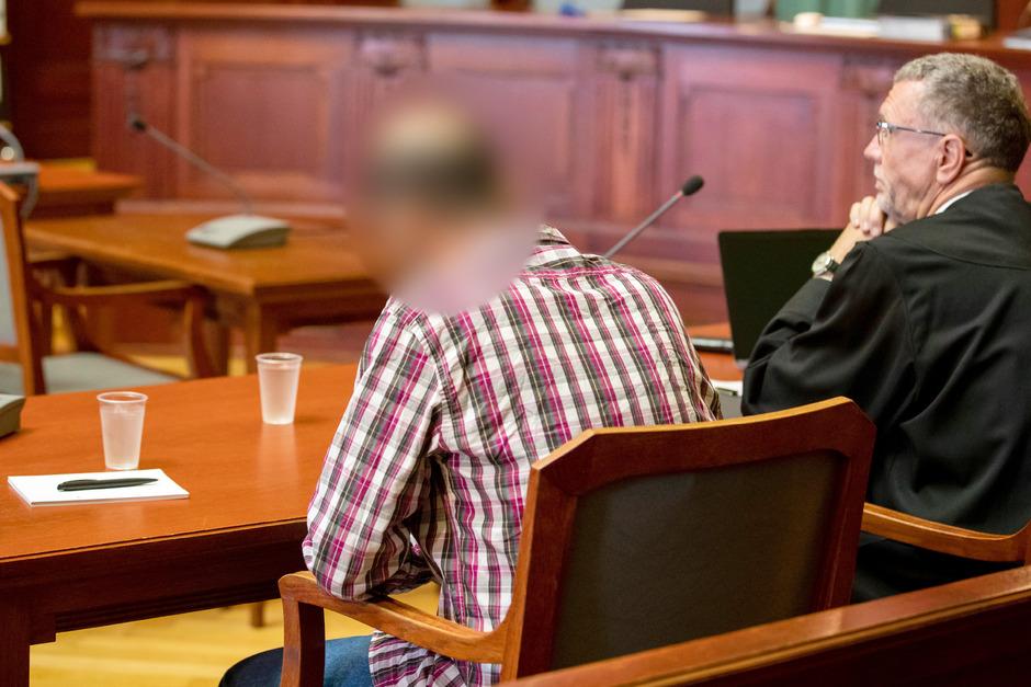 Der Angeklagte bestreitet, Sophia sexuell missbraucht zu haben.