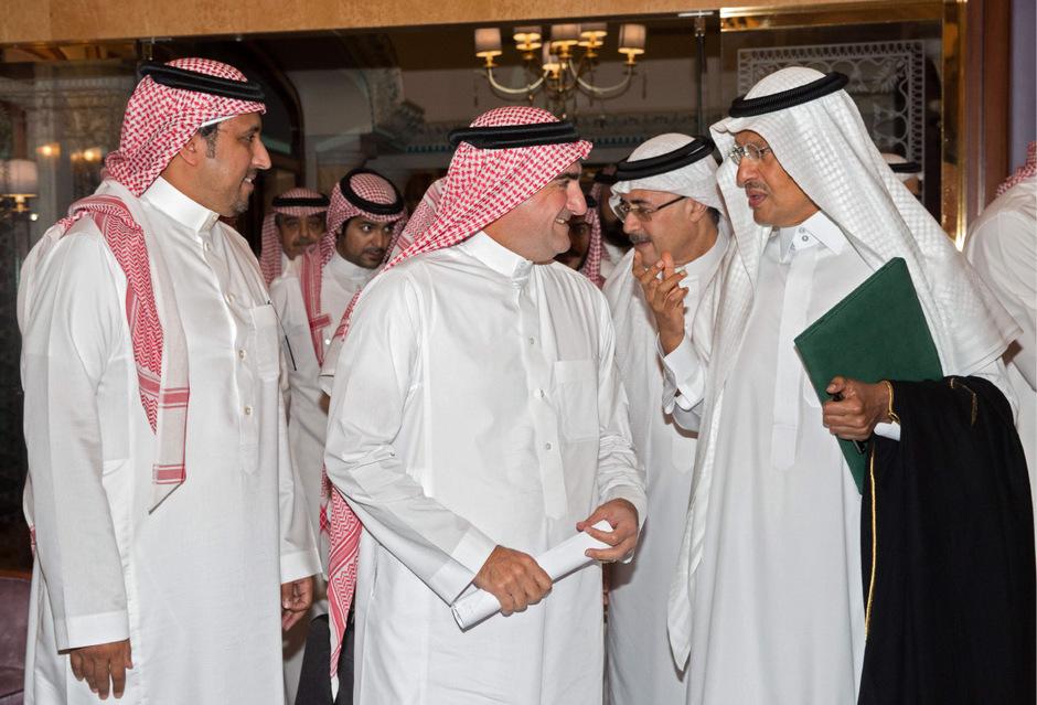 Energieminister Abdulaziz bin Salman (r.) in Jeddah.