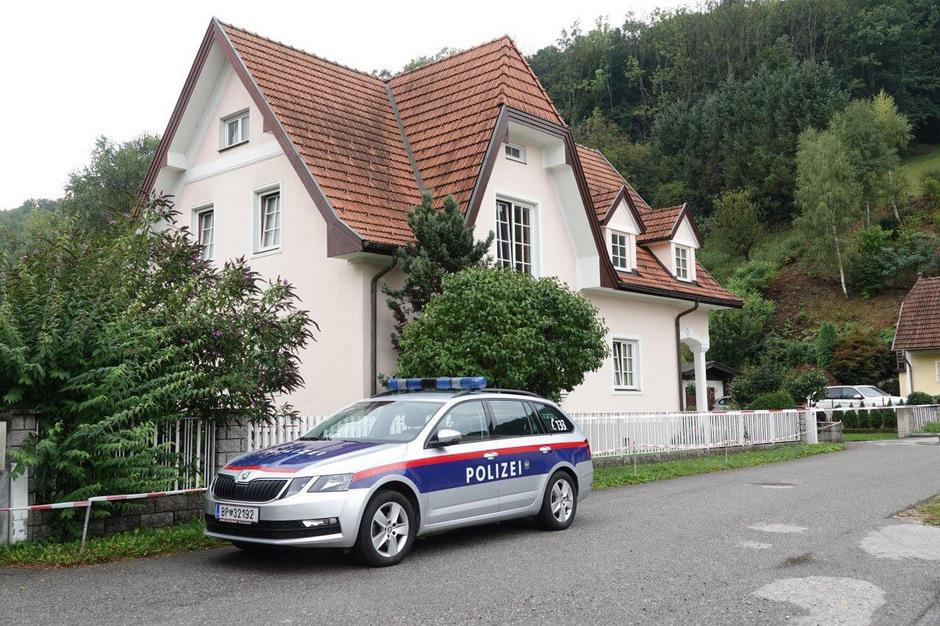 Das Haus in dem die Frau ums Leben kam.