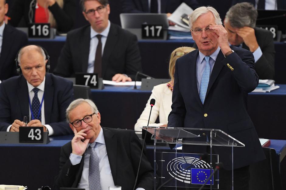 EU-Kommissionspräsident Jean-Claude Juncker und EU-Chefverhandler Michel Barnier im EU-Parlament.