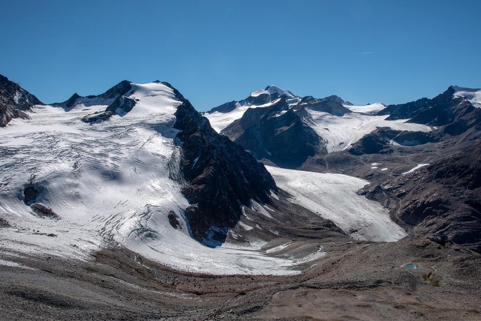 """Die Schleifung eines Berggrats sei am Linken Fernerkogel um 40 Höhenmeter und 120.000 m³ vorgesehen, so die Gletscher-Allianz, die hier nur noch """"eine Erinnerungslandschaft"""" befürchtet."""