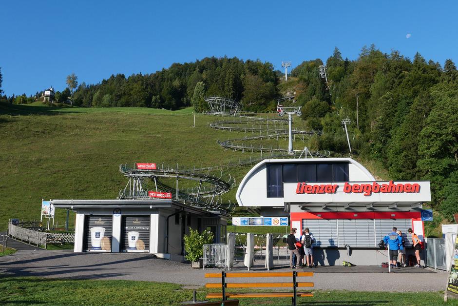Nur die erste Sektion bis zur Moosalm haben die Lienzer Bergbahnen am Hochstein bisher modernisiert. Im Winter soll ein neuer Natur-Rodelweg, mit 12 Kilometern der längste Tirols, in Betrieb gehen.