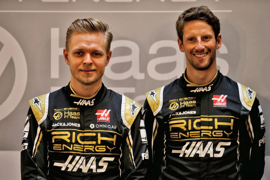 Kevin Magnussen (l.) und Romain Grosjean bleiben auch 2020 Teamkollegen.
