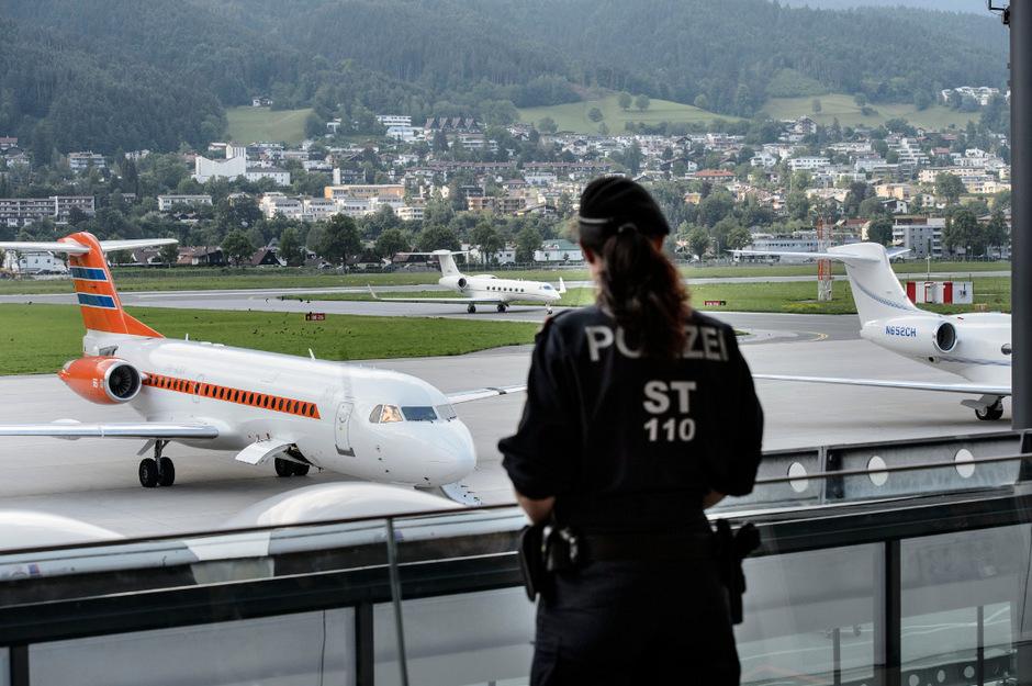 Am Flughafen Innsbruck war die Passfälschung aufgedeckt worden.