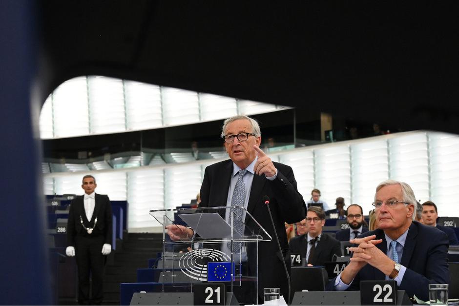 Kommissionschef Jean-Claude Juncker und Chefverhandler Michel Barnier haben neue Vorschläge auf dem Tisch.