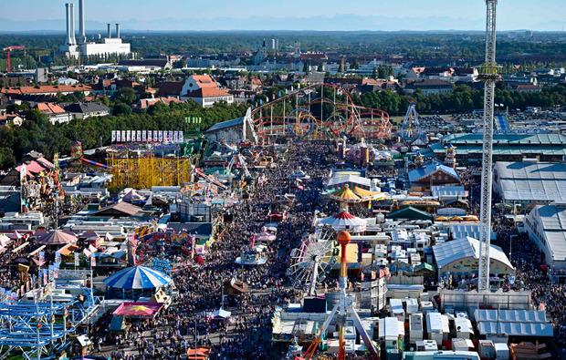München feiert wieder das größte Volksfest der Welt: Seit Samstag ist Wiesn - und die Stadt befindet sich damit für zwei Wochen im Ausnahmezustand.