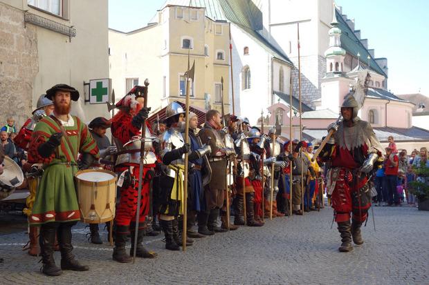 """Immer wieder musste Hall 1499 neue Kontingente für den blutigen """"Schweizerkrieg"""" stellen."""