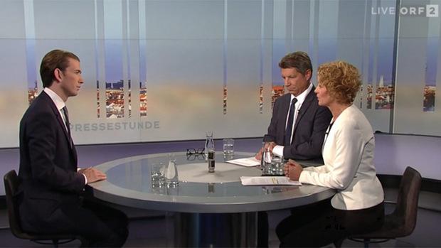 Altkanzler Kurz versprach, dass seine Partei die Wahlkampfkosten-Obergrenze von sieben Millionen Euro einhalten werde. Die ÖVP soll ihm zufolge innerhalb von fünf Jahren schuldenfrei sein.