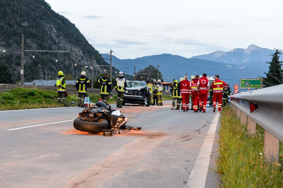 Der Motorradlenker wurde so schwer verletzt, dass er in der Klinik verstarb.