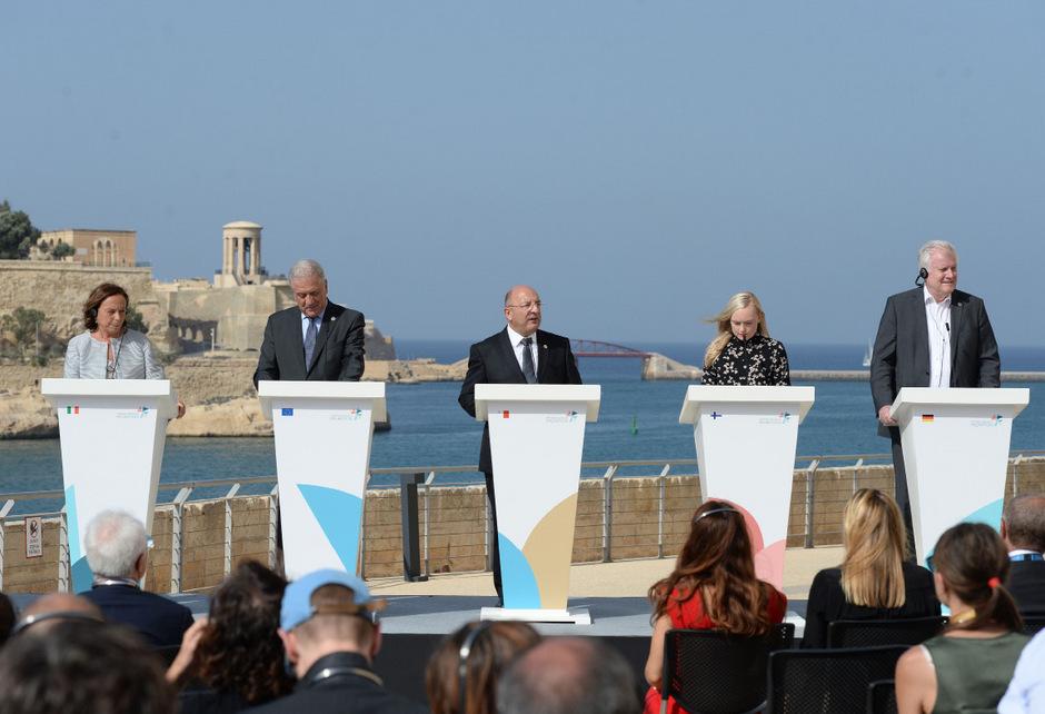 Bei einer gemeinsamen Pressekonferenz auf Malta wurde die Einigung am Montag verkündet.