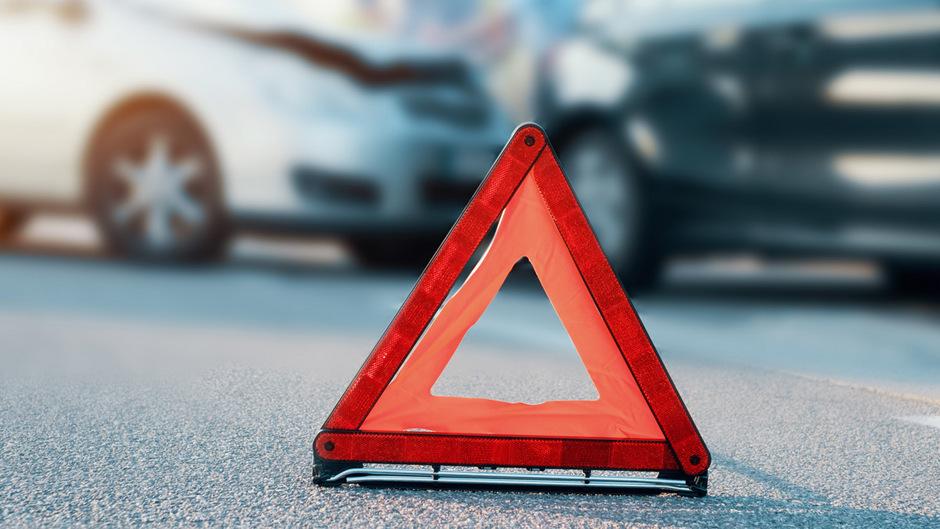 Nach mehreren Unfällen ein Risikokunde: Konsumentenschützer klären, ob Kündigungen rechtens sind.