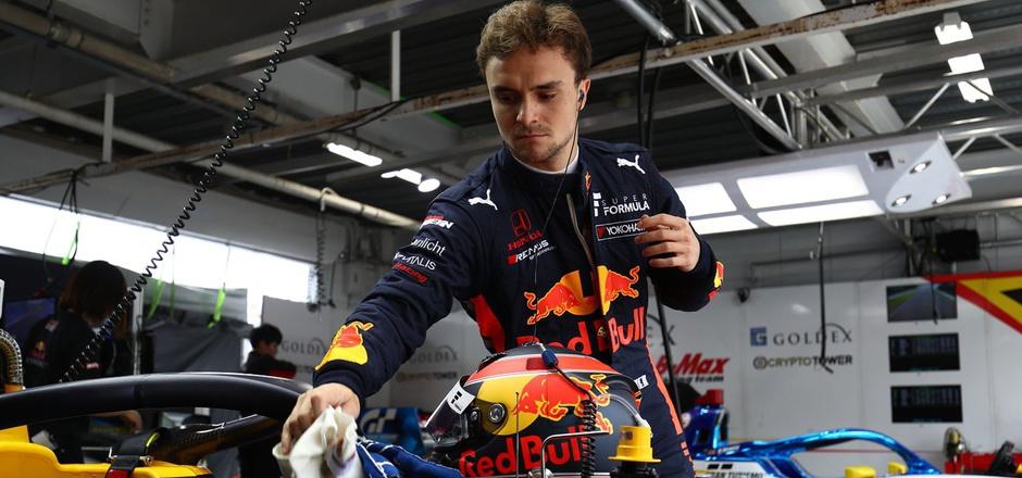 Bleibt der Kufsteiner Lucas Auer dem Red-Bull-Förderprogramm erhalten oder geht es zurück nach Europa?