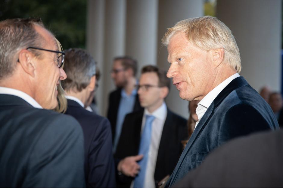 Oliver Kahn wurde vom Zweitligisten KSC zum Ehrenmitglied ernannt.