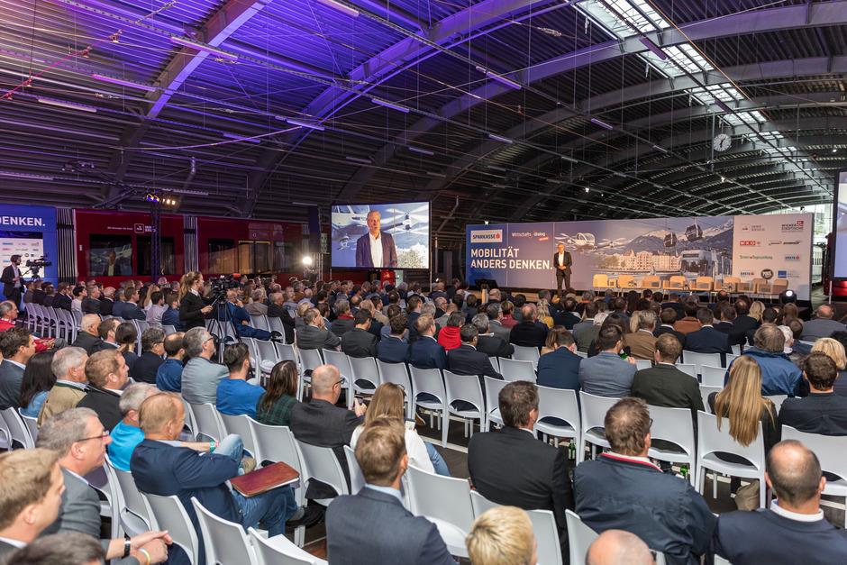 Rund 500 Gäste folgten gestern in der IVB-Halle den Ausführungen der Mobilitäts-Experten.