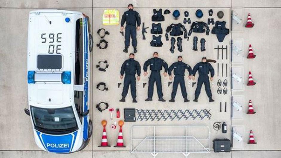 Die deutsche Bundespolizei im niedersächsischen Duderstadt ließ sich für #TetrisChallenge ablichten.
