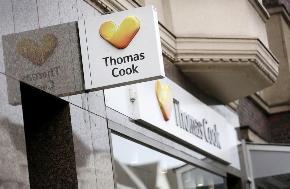 Der Thomas-Cook-Versicherer will Geld überweisen.