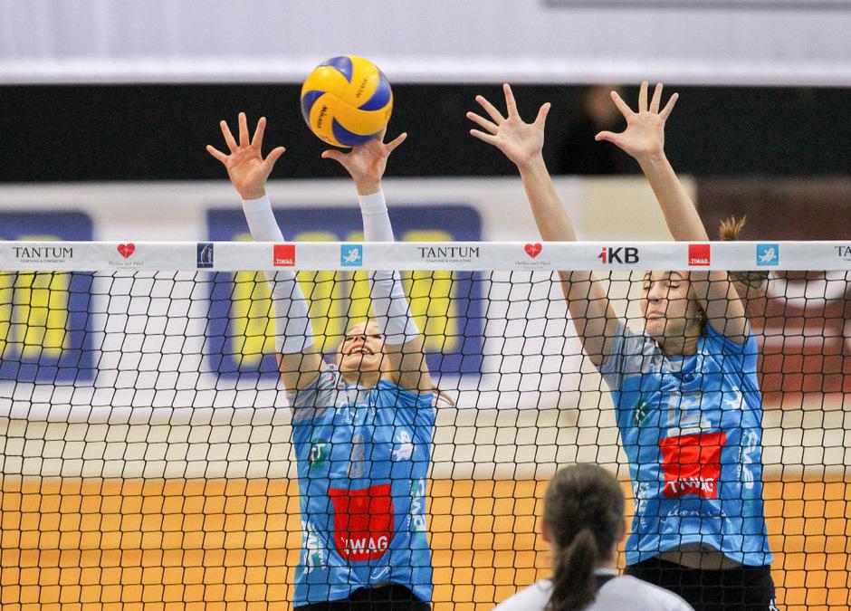 Nora Janka (l.) und Saraj Örley mussten sich am Samstag beim AVL-Comeback in Klagenfurt mit 0:3 geschlagen geben.