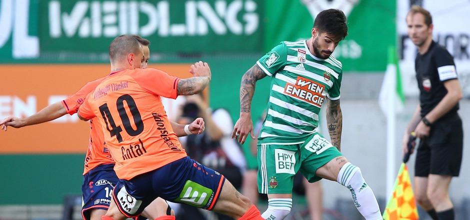 Taxiarchis Fountas traf doppelt für Rapid. Die Wiener mussten gegen Hartberg aber um den einen Punkt lange zittern.