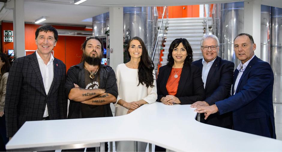 Die Tiroler Kandidaten Johannes Margreiter (NEOS), Chris Moser (Jetzt), Barbar Neßler (Grüne), Selma Yildirim (SPÖ), Hermann Gahr (ÖVP) und Peter Wurm (FPÖ).