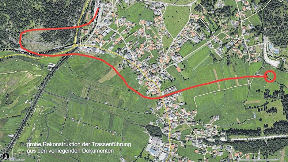 Nach der Durchsicht sämtlicher Dokumente hat der Ehrwalder Ziviltechniker Peter Steger die geplante Bahntrasse rekonstruiert. Diese würde vom von Garmisch kommend nach dem Bahnhof Ehrwald (oben) in einer Schleife ins Moos führen.