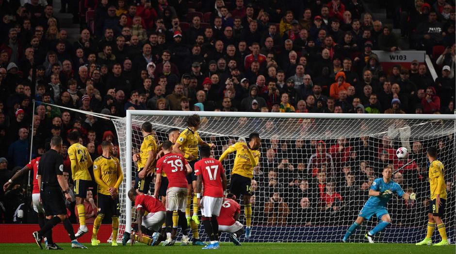 Dank des Punktgewinns belegt der FC Arsenal, der erneut ohne den ehemaligen deutschen Fußball-Nationalspieler Mesut Özil, aber mit Bernd Leno im Tor antrat, mit zwölf Punkten auf Rang vier.