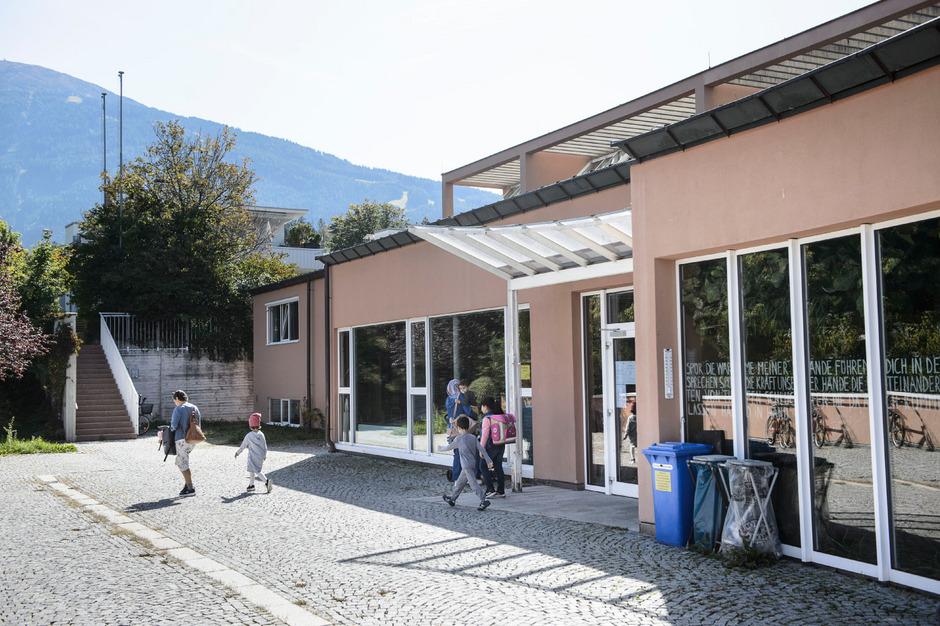 Am Standort der Volksschule Igls soll ein Bildungscampus realisiert werden.