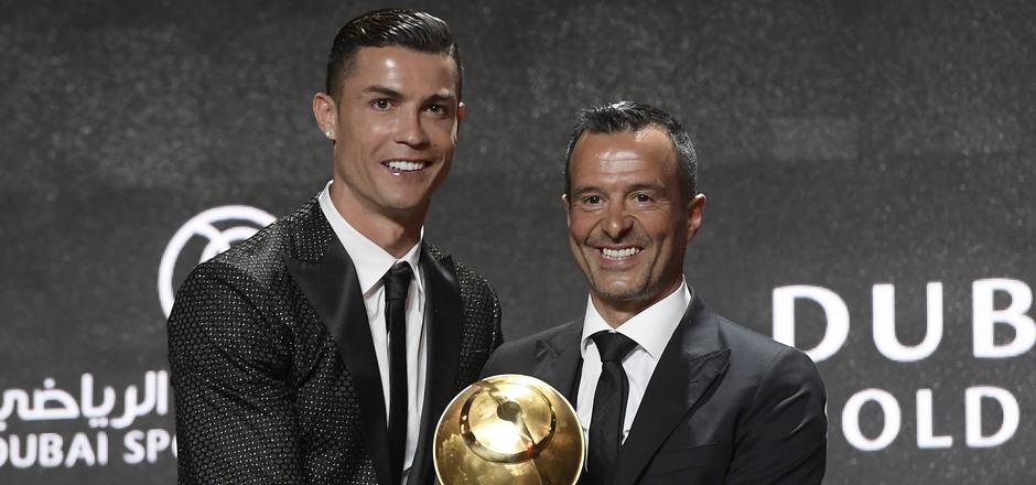 Der umtriebige Berater und sein größter Star: Mit Aushängeschild Cristiano Ronaldo ist Jorge Mendes (r.) auch privat befreundet.