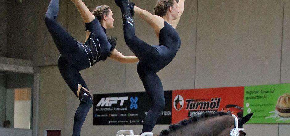 Meisterlich: Eva Nagiller und Romana Hintner gewannen auf dem Rücken von Don Zeno.