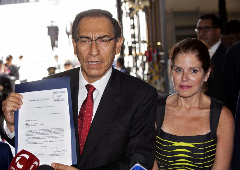 Präsident Martin Vizcarra und Vize-Präsidentin Mercedes Araoz, die kurzfristig zur Interimspräsidentin ernannt wurde.