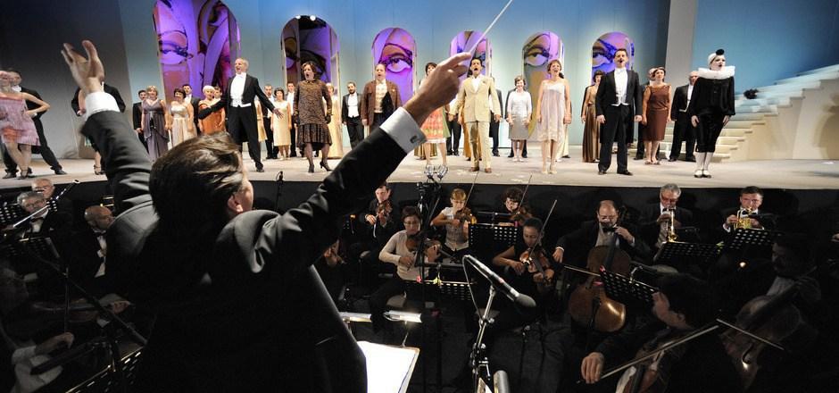 Der Stadtrat hat sich festgelegt: Der Operettensommer soll weitergehen, der TVB zögert noch.