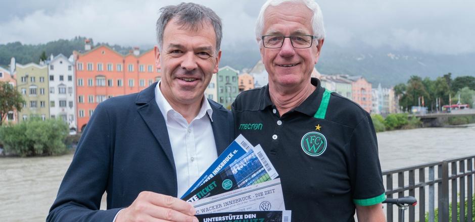 """Auch Bürgermeister Georg Willi unterstützte den FC Wacker beim """"Spiel gegen die Zeit"""". Das offizielle Endergebnis folgt am Donnerstag."""